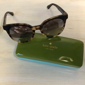 Kate Spade tortoise sunglasses with case